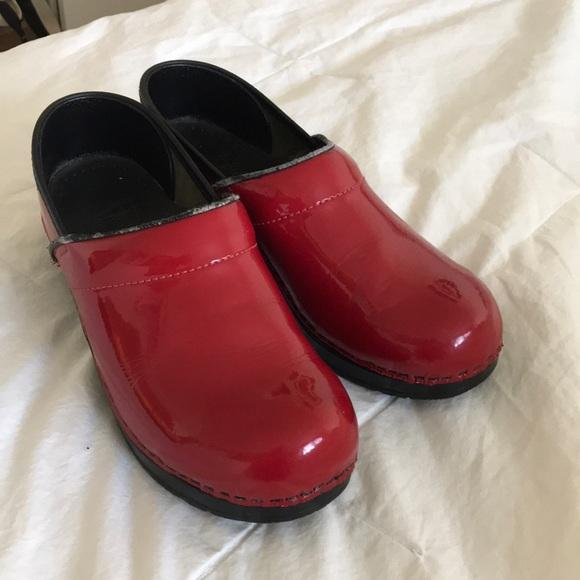 7d3f2e28ac31 Dansko Shoes - Cherry Red Patent Dansko clogs